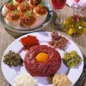 Lajos Mari konyhája - Gombás-sonkás sertésrolád Hungarian Recipes, Hungarian Food, Steak, Grains, Curry, Eggs, Breakfast, Morning Coffee, Curries