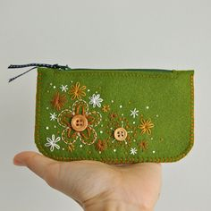 wool felt purse by etsy seller Loft Full of Goodies