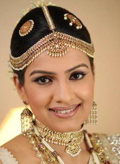 Exquisite Traditional Sri Lankan Bride