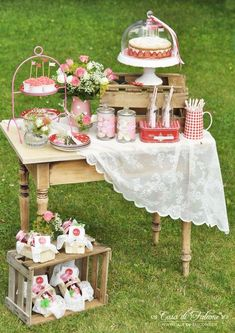 Erdbeerfest I Sweet table I strawberry party I Casa di Falcone Dessert Buffet, Dessert Bars, Dessert Tables, Dessert Ideas, Party Tables, Candy Table, Candy Buffet, Wedding Desserts, Wedding Decorations