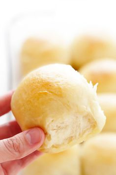 Soft and Buttery Dinner Rolls These Dinner Rolls are simply the best. They're easy to make, perfectly soft and buttery, and so comforting and delicious. Perfect for the holidays or any delicious weeknight dinner. Buttery Rolls, Bread Recipes, Cooking Recipes, 1 Hour Bread Recipe, Dinner Rolls Recipe, Quick Dinner Rolls, Quick Rolls, Easter Dinner Recipes, Gimme Some Oven