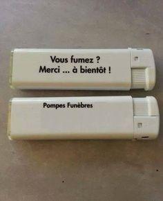 Un peu d'humour noir avec les fumeurs... Im Sad, Crazy People, Learn French, Really Funny, More Fun, Usb Flash Drive, Haha, Jokes, Images