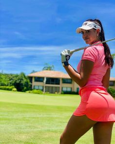 Golf, a poplar sport played by many people around the world. Golf through the years has had off and it is now a favorite sport for all those. Although golf is Ladies Golf Clubs, Best Golf Clubs, Girls Golf, Golf Websites, Golf Now, Sexy Golf, Golf Photography, Golf Quotes, Golf Fashion
