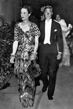 Wallis Simpson, The Duchess of Windsor, inspired fashion designers and film directors in the twenty-first century. Look back at Wallis Simpson's most stylish moments and best fashion in pictures. Wallis Simpson, Queen Elizabeth Ii, Elizabeth Taylor, Edward Windsor, Edward Viii, Elisabeth Ii, Queens, Elements Of Style, British Monarchy