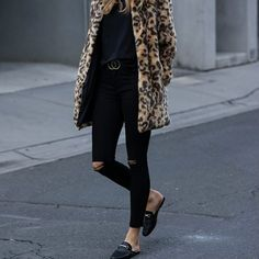 Every Fall 2017 Fashion Trend That You Need to Wear This Season via Brit + Co Fake Fur Coat, 2017 Fall Fashion Trends, Casual Date, Street Style, Fashion 101, Fall Outfits, Winter Fashion, Black Jeans, My Style