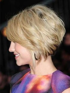 30 Short Hairstyles for Winter: Trendy Stacked Bob