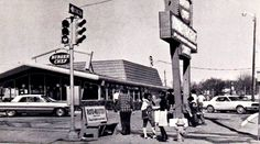 Burger Chef, early 1970's north side of Grand across from Des Moines Tech High School [now Central Campus]