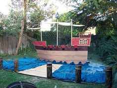 Ideas for my Relay for Life pirate ship---but it will never look this perfect! Pirate Halloween, Pirate Day, Theme Halloween, Pirate Life, Pirate Birthday, Pirate Theme, Cardboard Pirate Ship, Deco Pirate, Party Deco