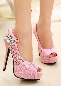 Und die Schuhe sind rosa