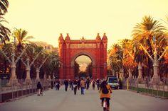 #Fly #me #Away: 4 dias em #Barcelona   #Driftwoodjournals #ArcoTriunfo