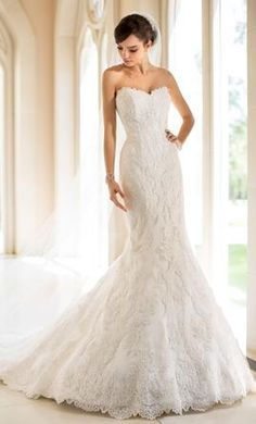 Save $800 on this Stell York wedding dress from @PreOwndWedDress