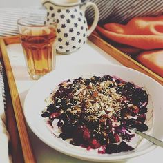 All tucked up in bed with Netflix, Pukka tea and a bowel of vanilla and cinnamon quark topped off with blueberries, raspberries, almonds and sesameseeds. - - #endometriosis #fodmapdiet #endodiet #whatieat #fodmapfriendly #bonappetit #fuckendo #f52grams #food52 #myopenkitchen #foodlover #lowcarb #netflix #pukkatea #vanilla #cinnamon #quark #blueberries #raspberries #almonds #sesameseeds