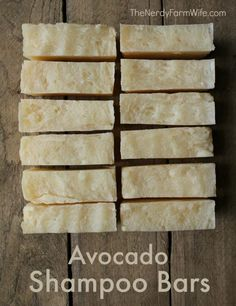 Avocado Shampoo Bar- DIY Avocado Shampoo Bar Recipe- directions are given for both hot process and cold process versions of this natural shampoo bar that will leave your hair soft and shiny! Diy Shampoo, Homemade Shampoo, Shampoo Bar, Avocado Shampoo, Avocado Hair, Avocado Butter, Diy Savon, Homemade Soap Recipes, Natural Shampoo
