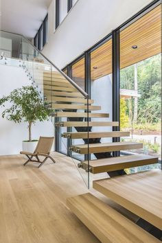 Staircase Design Modern, Home Stairs Design, Modern Stairs, Railing Design, Home Interior Design, House Design, Floating Staircase, Staircase Glass Railing, Bright Homes