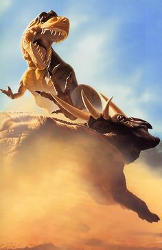 Tyrannosaurus rex in combat with Styracosaurus by John Gurche; jacket illustration for Robert Bakker's The Dinosaur Heresies Dinosaur Fight, Dinosaur Age, Dinosaur Fossils, Prehistoric Dinosaurs, Prehistoric World, Prehistoric Creatures, Spinosaurus, Jurrassic Park, Jurassic