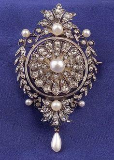 Antique Diamond Pendant/Brooch | Sale Number 2302, Lot Number 666 | Skinner Auctioneers
