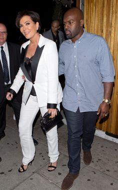 Kris Jenner Kicks Off Her 61st Birthday With Kourtney Kardashian, Chrissy Teigen and John Legend | E! News