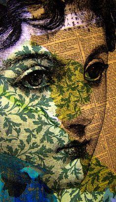 visage couleur sur fond tissu et journal