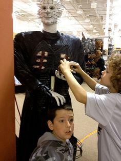 Halloween Store, Nevada, Sierra, Montana