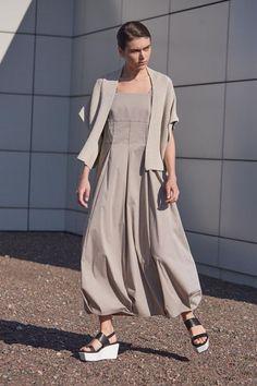 Купить САРАФАН широкие бретели лён из коллекции «…И ВХОДИТ ЖЕНЩИНА» от Lesel (Лесель) российский дизайнер одежды