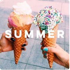 Image about summer in Yum by sm;)e on We Heart It Food Porn, Cupcakes, Milk Shakes, Aesthetic Food, Beach Aesthetic, Summer Aesthetic, Aesthetic Girl, Junk Food, Love Food