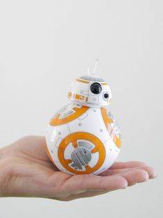 Star Wars BB-8 by Sphero is a working replica of the BB-8 droid that will make its cinematic debut in Star Wars: The Force Awakens #bb-8 #spherobb8 #bb8 #starwars #friki