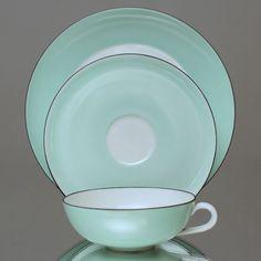 Nymphenburg: Teetasse Lotos Wolfgang von Wersin Art Déco grün Tasse Gedeck, tea cup, saucer, plate