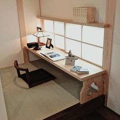 A bit too japanese to my liking, but I love the vibe Japanese Bedroom, Japanese Home Decor, Japanese House, Japanese Living Rooms, Japanese Interior Design, Home Interior Design, Asian Interior, Floor Desk, Tatami Room