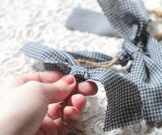 How to Make a Homespun Rag Garland | eHow
