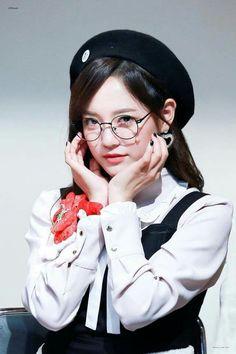 Kpop Girl Groups, Korean Girl Groups, Kpop Girls, Kim Sejeong, Jellyfish Entertainment, Drama Korea, Korean Actresses, Pop Group, Korean Singer
