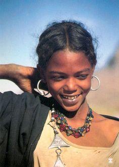 "Africa | Kel Owey Tuareg girl.  Aïr region, north central Niger || Scanned postcard; Edition Bwaso ~ collection ""dialogue de civilisations"""
