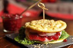 [Veggie] Ziegenkäse Burger mit Preiselbeeren & LowCarb Brötchen