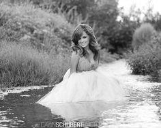 Elle est trop jolie cette photo, la robe aura besoin d'un sacré nettoyage... ...