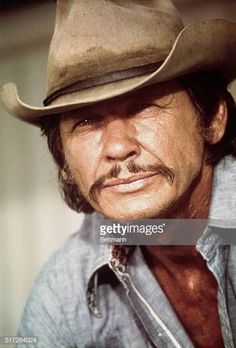 Charles Bronson as he appears in the 1975 motion picture Breakout. Get premium, high resolution news photos at Getty Images Actors Male, Actors & Actresses, Hollywood Actor, Hollywood Stars, Vintage Hollywood, Classic Hollywood, Actor Charles Bronson, Wow Photo, Cowgirl Secrets
