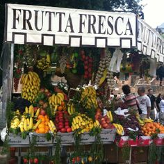 Fresh fruit on the streets of Rome