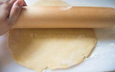 Empanadas, also known as turnovers or hand pies, are perfect as snacks or appetizers and can be filled with anything you can imagine. This flaky pastry treat is of Spanish origin and quite famous i… Filipino Appetizers, Filipino Recipes, Filipino Empanada, Parchment Paper Baking, Flaky Pastry, Pinoy Food, Hand Pies, Empanadas, Quick Recipes