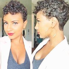 26 cortes de pelo Afro Sure-Fire: corte de cabello fresco Short Curly Hair, Short Hair Cuts, Curly Hair Styles, Natural Hair Styles, Curly Pixie, Short Afro, Updo Curly, Curly Afro, My Hairstyle