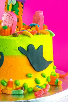 DIY Lisa Frank Inspired Neon Halloween Cake! ⋆ Brite and Bubbly