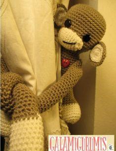 Macaco Abraça-Cortinas