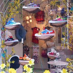 """Floating in Amsterdam"" #amsterdam #thenetherlands #celdesallaround #happyfeet #happypeople #love #shoes #exploreceldes #popular…"