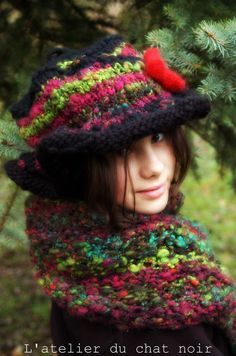 POISON handspun handknitted hat by LAtelierduChatNoir on Etsy