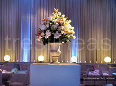 # White wedding # Elegante en blanco con detalle en colores pasteles. Los arreglos florales y las texturas marcaron la distinción de este evento. Ambientación en Punta Barranca - Rosario - Santa Fe - Argentina. Seguinos en https://www.facebook.com/treslineaseventos
