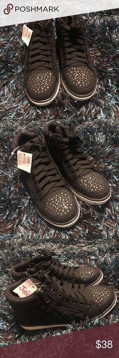 Justice Black Rhinestone Hi-tops NEW!! 🛍🎀💕 Justice Black Rhinestone Hi-tops NEW with tags. Size 3. Justice Shoes Sneakers