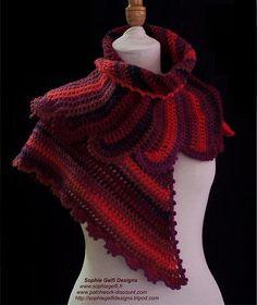 Ravelry: Coquelicot Shawlette pattern by Sophie GELFI Designs