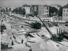 1958 Berlin-Halensee Hier entsteht die Stadtautobahn.Ich glaube,dass hinten links die alte Halensee-Bruecke (und dahinter der Ku'damm) zu sehen ist.