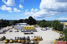 Depuis plus de quarante ans, Locarmor est ancrée dans le département du Finistère, spécialisée dans la location de matériels pour le bâtiment et les TP.