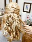 Half Up Half Down Hairstyles for Curly Hair: Great bridesmaid Hairstyle Idea