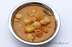Potatoes in a spicy, Konkani style coconut curry (Batate Human)