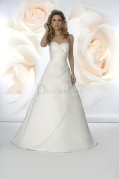 pretty yet simple wedding dress