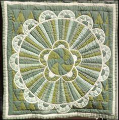 green mandala My Mom, Art Work, Mandala, Rugs, Green, Home Decor, Artwork, Farmhouse Rugs, Work Of Art